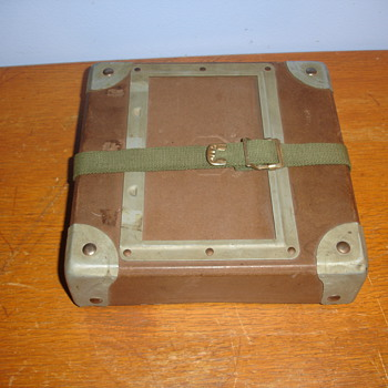 "FILM CONTAINER? ANTIQUE MILITARY THING? ""B G USA"""