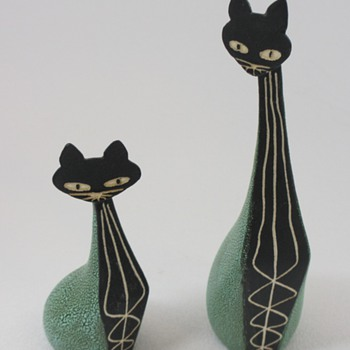 "Hagen Renaker ""Black Bisque"" Cat Figurines - Mid-Century Modern"