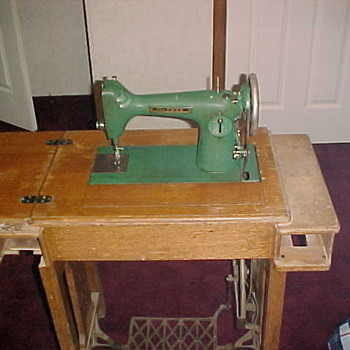 The Free Sewing Machine - Sewing