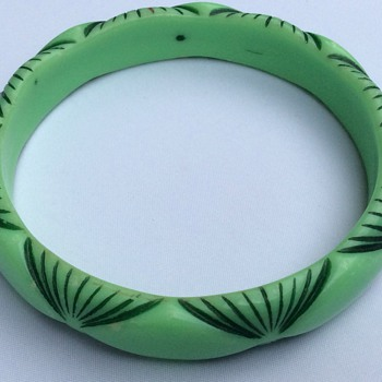 Carved painted celluloid ? - Costume Jewelry