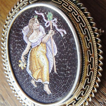 c1840 FINEST MICROMOSAIC MEDALLION/BROOCH NYMPH / NATURE SPRITE /BACHANT