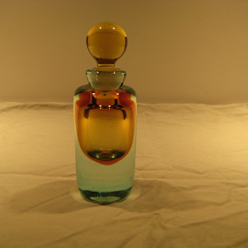 Italian sommerso perfume bottle - Art Glass
