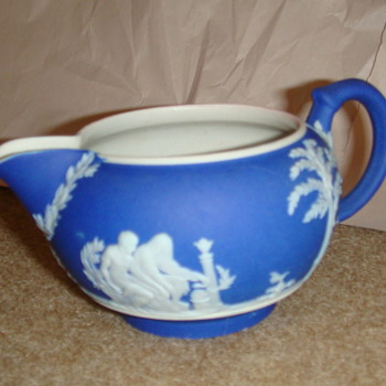 Wedgewood cream very nice - China and Dinnerware