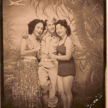 Grandpa and &quot;his women&quot; - Photographs