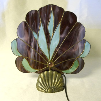 """L&LWMC""Shell Fan Lamp Art Deco Stained Glass, 20 Century - Lamps"