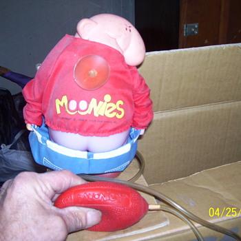 moonies crack - Toys