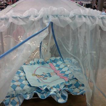 Cinderella metal frame canopy bed