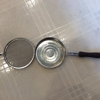 """Tin pan 4 3/4"""" across with attached screen lid - Kitchen"""