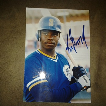 Ken griffey juniors signature - Baseball
