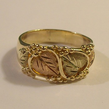 "10k ""Black Hills Gold"" Ring"