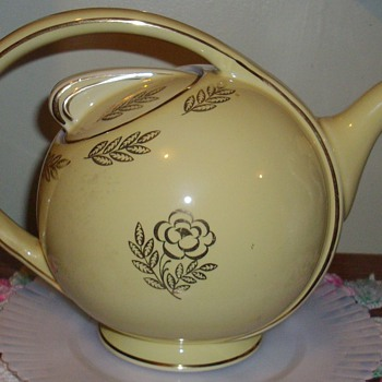 Hall tea pot.