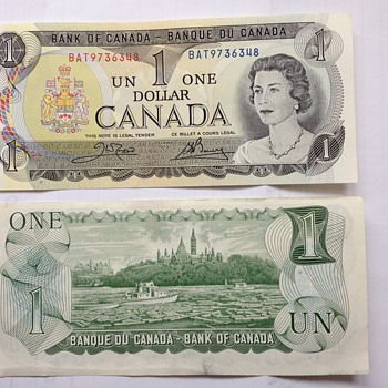 Canadian dollar bill - US Paper Money