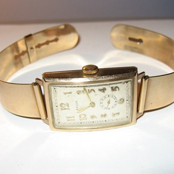 Vintage Deco Gold Rolco Watch - still working after all those years - Wristwatches
