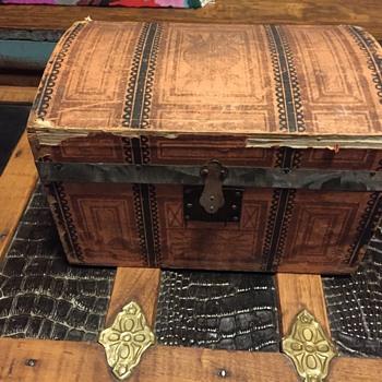Jenny Lynn, salesman sample/Doll  steamer trunk