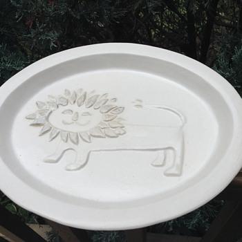 Bennington dish - Art Pottery