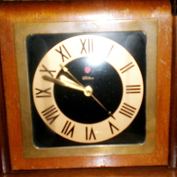 Antique Warren Telechron Co. Clock Art Deco Wood - Clocks