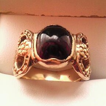 Almandine garnet & gold ring?