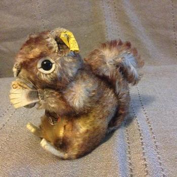 Steiff Perri Squirrel, Mohair 2120