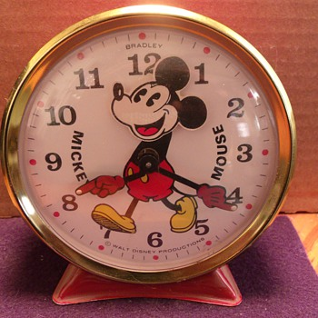 "Bradley ""Nodder"" Mickey Mouse Alarm Clock"