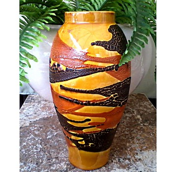 "Royal Haeger 11 "" Marigold and Agate ""Earth Wrap"" Vase /Circa 1976 - Art Pottery"