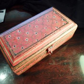 Handmade vintage trinket box?