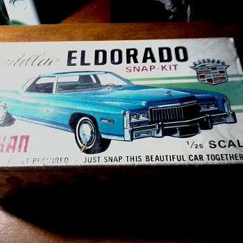 Johan 1/25 Scale 1975-78&#039; Cadillac Eldorado Plastic Model/Opened original wrap/ Never assembled .