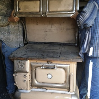 The Auto Stove Works Model B8 18 - Kitchen