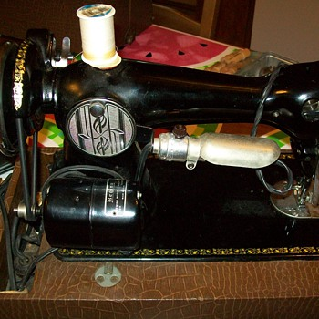 Linda Sewing Machine... Does anyone know anything about them?