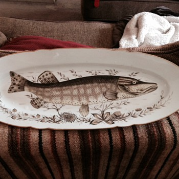fish pattern set - China and Dinnerware