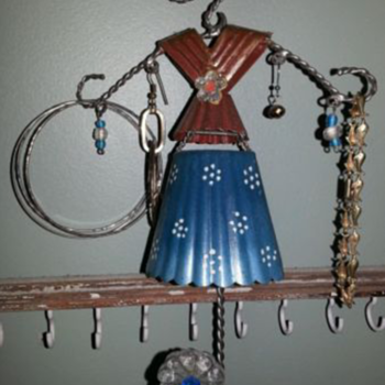 crazy cute little jewelry hanger