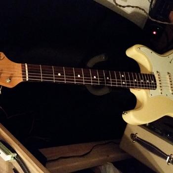 1986 62 reissue fender stratocaster