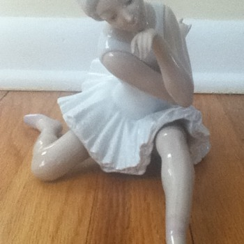 Lladro &quot;The Ballerina&quot; Figurine - China and Dinnerware