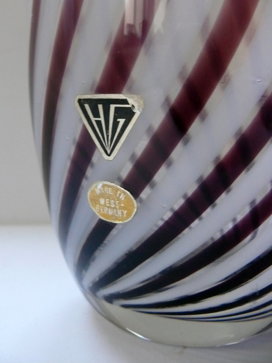hessen glas vase collectors weekly. Black Bedroom Furniture Sets. Home Design Ideas