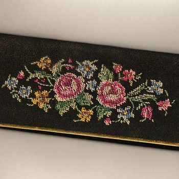 Embroidered Comb & Mirror Holder