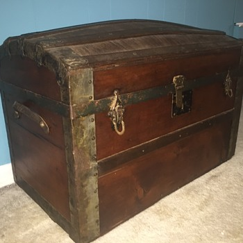 Any ideas on age? - Furniture