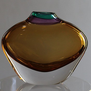 Contemporary Japanese Vase by Matsuura Akane - Art Glass