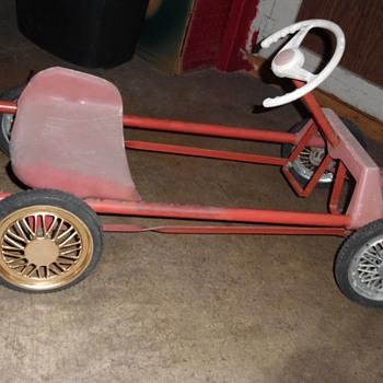 Mystery Italian Pedal Car ! 40s , 50s , 60s ?