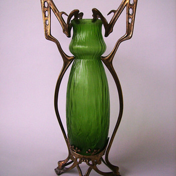 A Kralik vase with butterfly wings - Art Glass