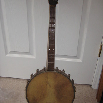 unknown banjo - Guitars