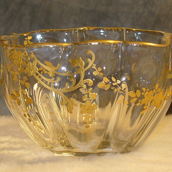 Victorian gilt enamel bowl - Art Glass