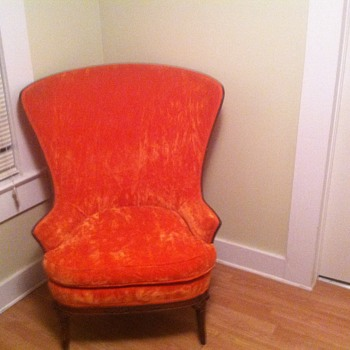 BIG ORANGE CHAIR VICTORIAN??