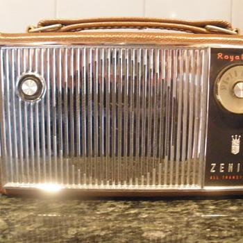 Zenith Royal 675