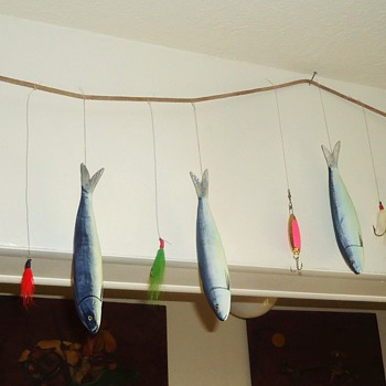 Update Port. fish on vintage stringer! Broken tail fish added to sculpture!  Made be me! - Fishing