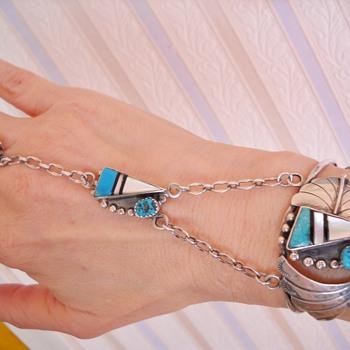 Zuni? Unsigned Slave Bracelet - Native American