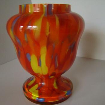 Bohemian spatter rose bowl/pedestal vase - Art Glass