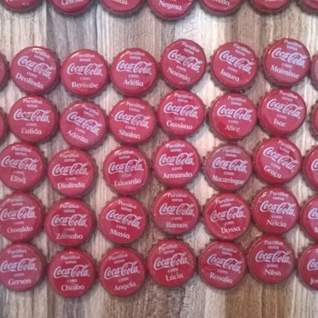 Complete set Mozambique Coca Cola caps names (300 caps)