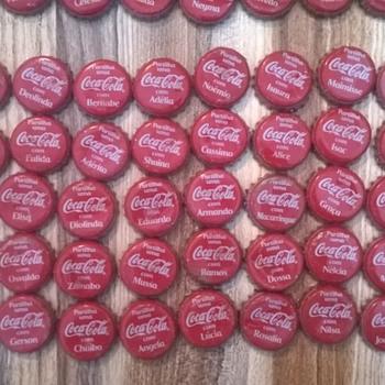 Complete set Mozambique Coca Cola caps names (300 caps) - Coca-Cola