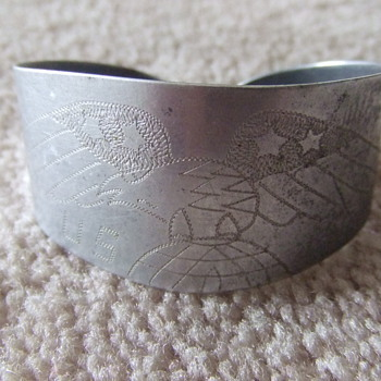 WW2 trench art USMC bracelet - Military and Wartime