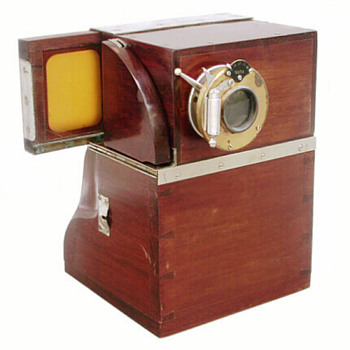Early instant photography: the Quta Photo Machine, c.1904-11