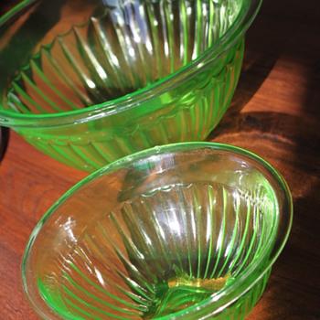 Hazel Atlas Nesting Bowls - Glassware